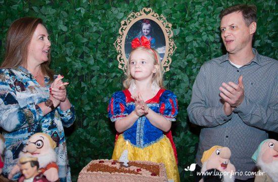 4 anos Luísa. Festa infantil registrada pela fotógrafa LuPorfirio, em São Paulo. Fotografia de festa infantil, fotos de família